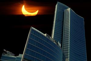 eclissi-di-sole-palazzo-regione-lombardia